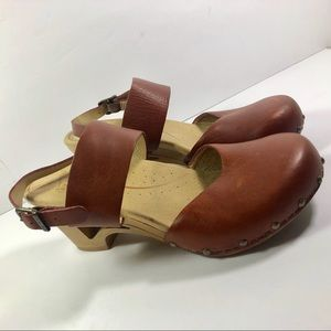 Dansko Thea wooden heel leather sandals